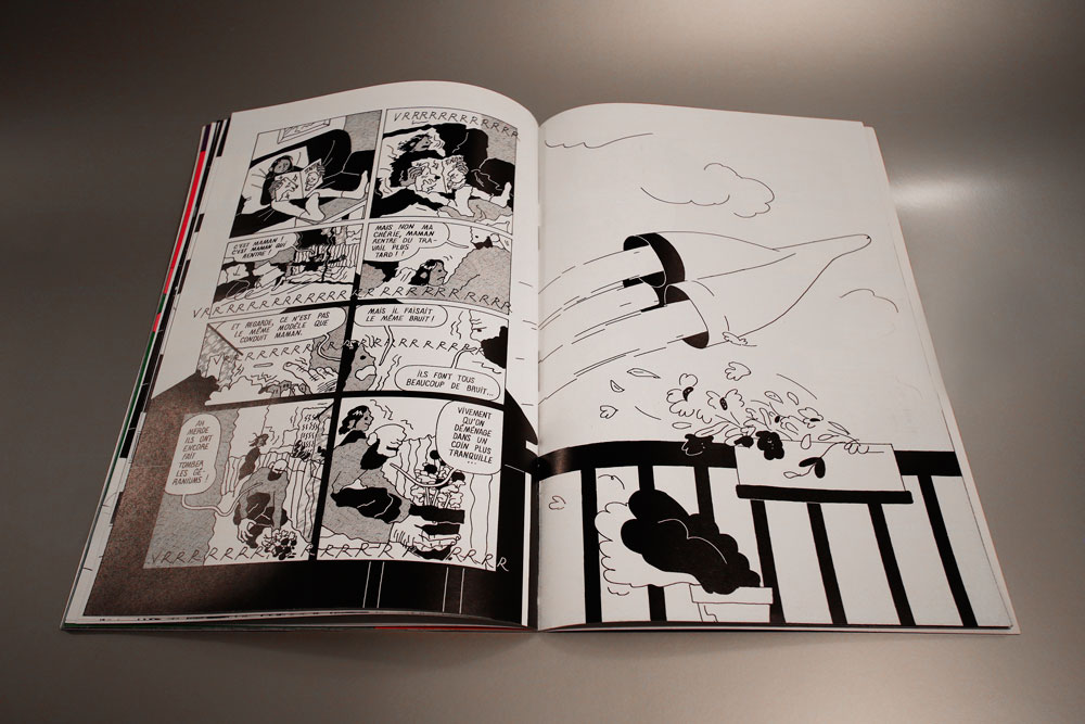 Page du livre Fabuleux Vaisseaux : un vaisseau spatial assourdissant souffle les plantes d'une terrasse